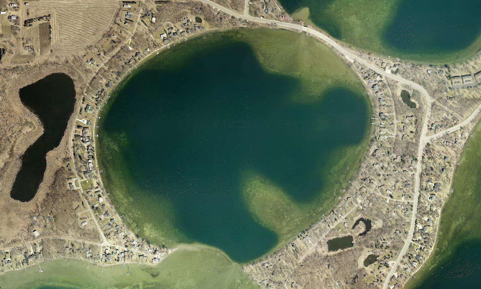A leaf off aerial view of Lake Darling